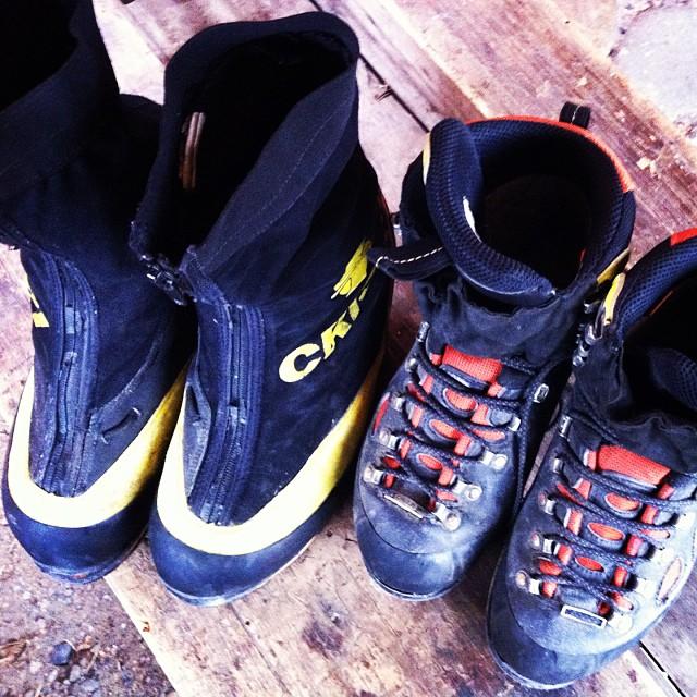 botas de montaña usadas