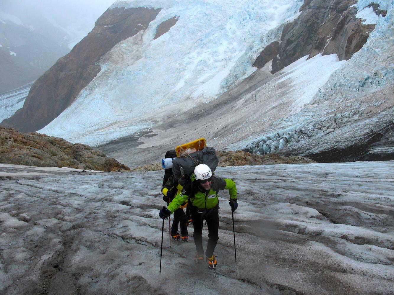 Caminando en hielo con las botas de montaña Crispi Top 6000